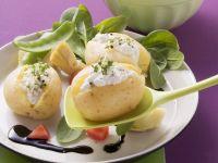Kartoffeln mit Cottage Cheese und Rapunzelsalat Rezept