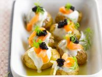 Kartoffeln mit Crème fraîche und kaviar Rezept