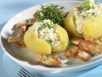 Kartoffeln mit Hüttenkäse und Hähnchengeschnetzeltem Rezept