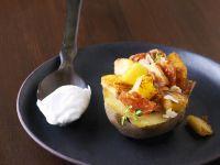 Kartoffeln mit Salami-Birnenfüllung