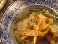 Kartoffelnudeln auf Sauerkraut