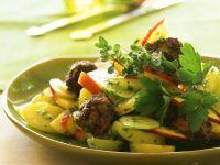 Kartoffelsalat mit Fleischbällchen Rezept