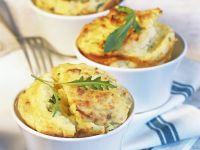 Kartoffelsoufflé mit Rucola Rezept