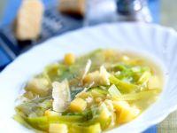 Kartoffelsuppe mit Lauch und Käse Rezept