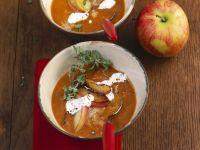 Kartoffelsuppe mit Sauerkraut und Äpfeln Rezept