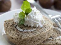 Kastanien-Biskuitrolle mit Sahne Rezept