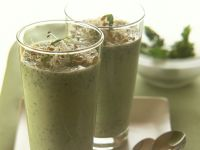 Kefir-Kräuter-Drink mit Sprossen Rezept