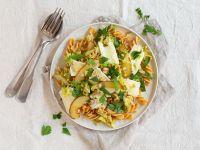 Kichererbsen-Pasta mit Weichkäse und Birnen Rezept