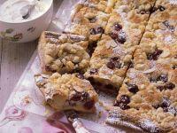 Kirsch-Streusel-Kuchen mit Mandeln Rezept