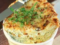 Kleine Lasagne mit Kräuterfrischkäse und Nüssen Rezept
