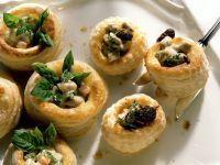 Kleine Pasteten mit Kalbsbriesragout und Morcheln Rezept