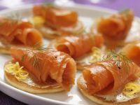 Kleine Pfannkuchen mit geräuchertem Lachs Rezept