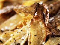 Knusprige Kartoffelhobeln mit Salz und Kräutern Rezept