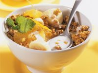 Knuspriges Müsli mit Kefir, Orange und Banane Rezept