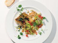 Knuspriges Zanderfilet auf Asia-Gemüse Rezept