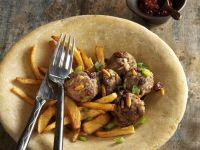 Köfte mit ausgebackenen Kartoffeln Rezept