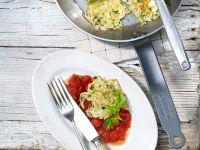 Kohlküchlein mit Tomatensauce und Le Gruyère AOP