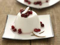 Kokos-Zitronengras-Pudding mit Granatapfelkernen Rezept