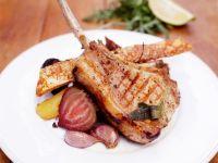 Koteletts vom Grill mit Rüben Rezept