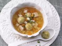 Kräftige Geflügel-Gemüse-Brühe Rezept