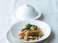 Kräuter-Kartoffellößchen mit Gemüse Rezept