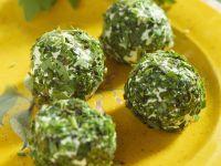 Kräuterbällchen mit Ziegenfrischkäse Rezept