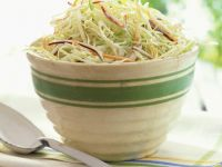 Krautsalat mit Möhre und Zwiebel Rezept