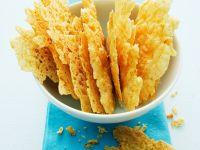 Krosse Chips aus Parmesankäse Rezept