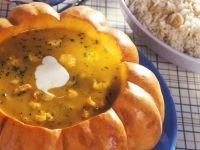 Kürbis-Mango-Cremesuppe mit Garnelen Rezept