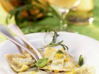 Kürbis-Ravioli mit Pesto Rezept