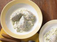 Kürbiskernnocken mit Zucchinisauce Rezept