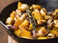 Kürbispfanne mit Kastanien und Zwiebeln Rezept