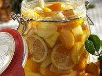 Kumquats, Ananas und Ingwer in Rum Rezept