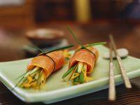 Lachs-Gemüseröllchen Rezept