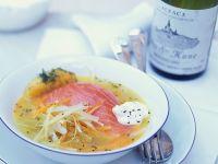 Lachs im Gemüse-Weißweinsud Rezept