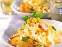 Lachs in Zitronensauce mit Nudeln Rezept