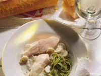 Lachs mit Sahnesauce und Nudeln Rezept