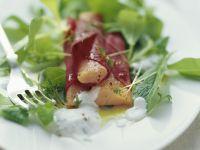 Lachsforellen im Rote-Bete-Wickel mit Rapunzelsalat Rezept