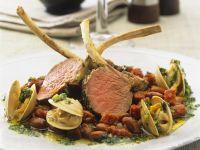 Lamm-Chops mit Muscheln und Bohnen
