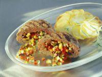 Lammbuletten mit Gemüsefüllung dazu Kartoffelgratin Rezept