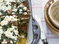 Lasagne mit Lammhack, Zucchini, Minze und Schafskäse