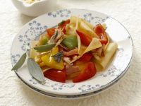 Lasagne-Nudeln mit Schinken,Paprika und Salbei
