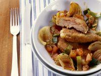 Leber in Panade mit Zwiebel-Porree-Gemüse Rezept