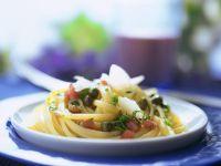 Linguine mit Tomaten-Kapner-Vinaigrette