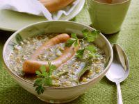 Linsensuppe mit Würstchen Rezept