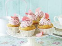 Litschi-Cupcake mit Rosencreme Rezept