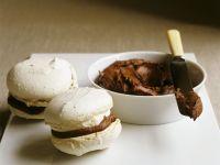 Macarons mit Maronicremefüllung Rezept