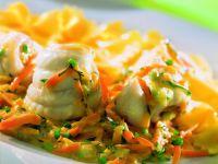 Maischolle mit Kräuter-Gemüse-Sauce
