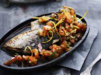 Makrelenfilet mit Tomatenwürfeln und Zitronenzesten Rezept