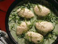 Mangoldsuppe mit Fischklößchen Rezept